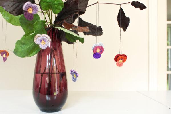 Hæklede blomster | hornvioler
