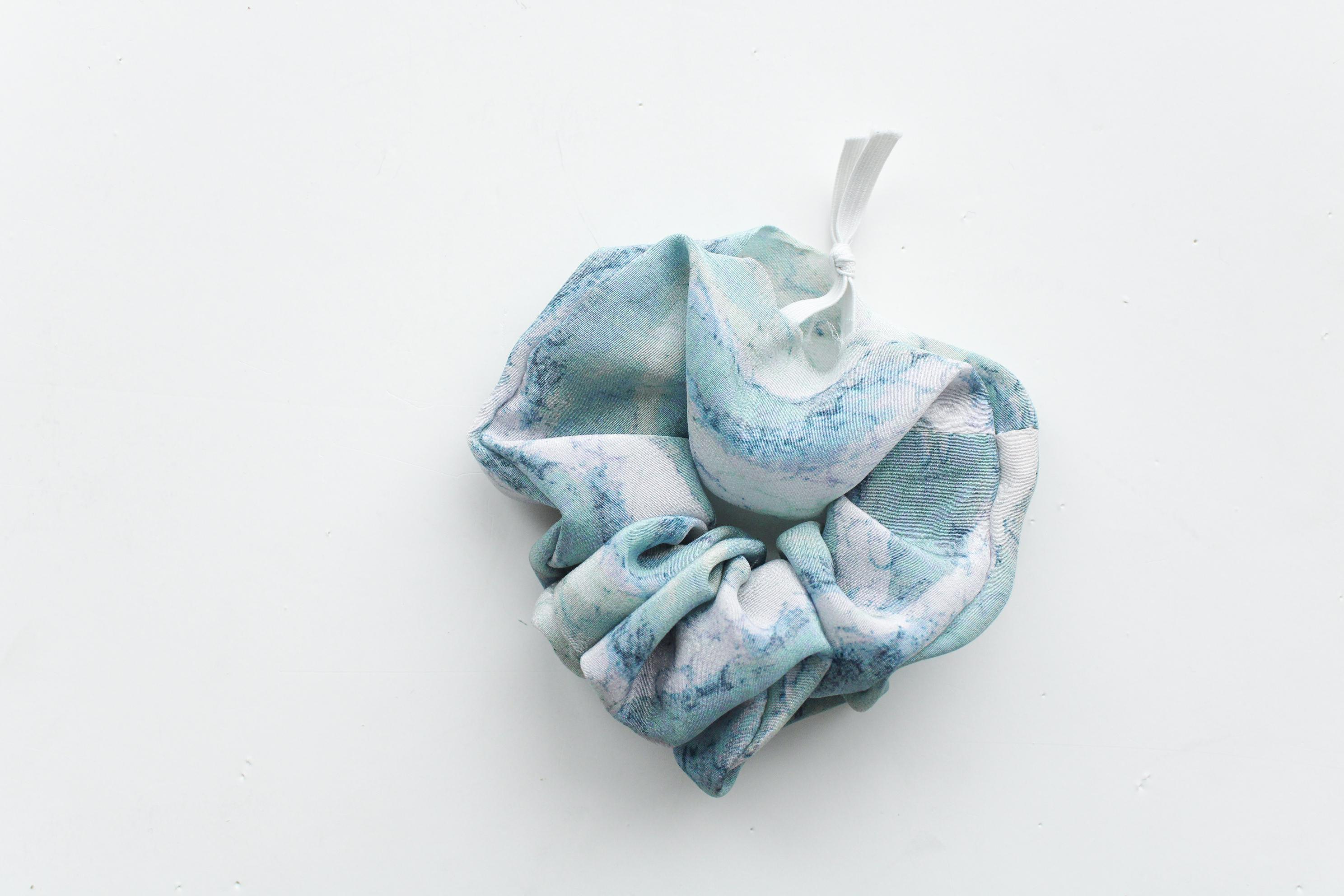 scrunchie med sløjfe